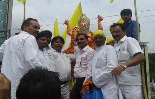 अखिल भारतीय बढ़ई महासभा ने निकाली भगवान विश्वकर्मा की शोभायात्रा